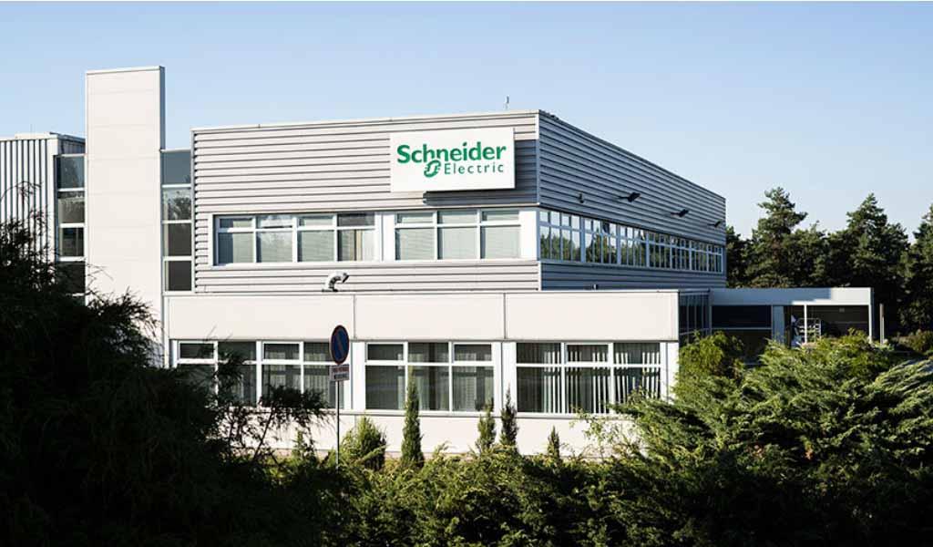 Schneider Electric automatiza su logística interna con Mobile Industrial Robots